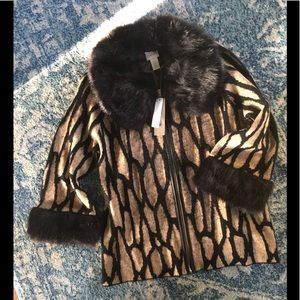 Chicos Faux fur collar sweater—NWT-Chico's Size 0